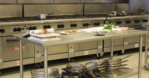Interno di cucine per ristorazione collettiva