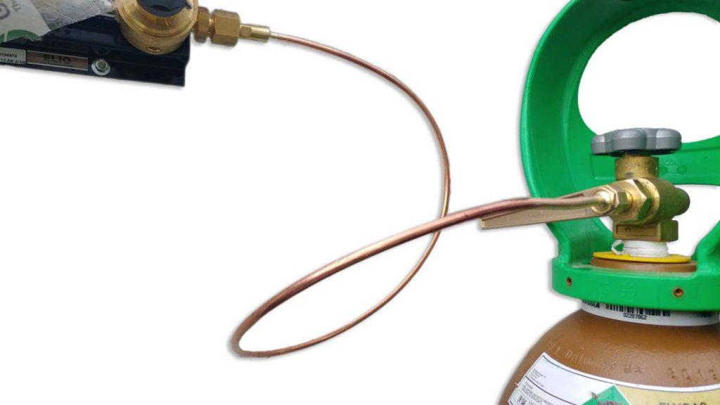 Serpentina di collegamento per bombole di gas Elio di Nippon Gases Italia
